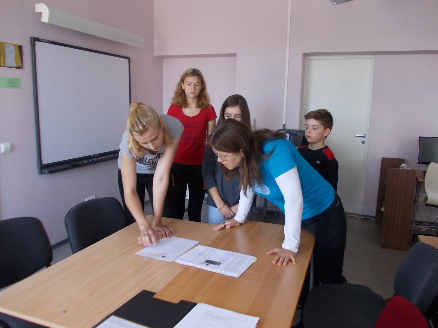 GLOBE students at Muhu Basic School (Estonia)